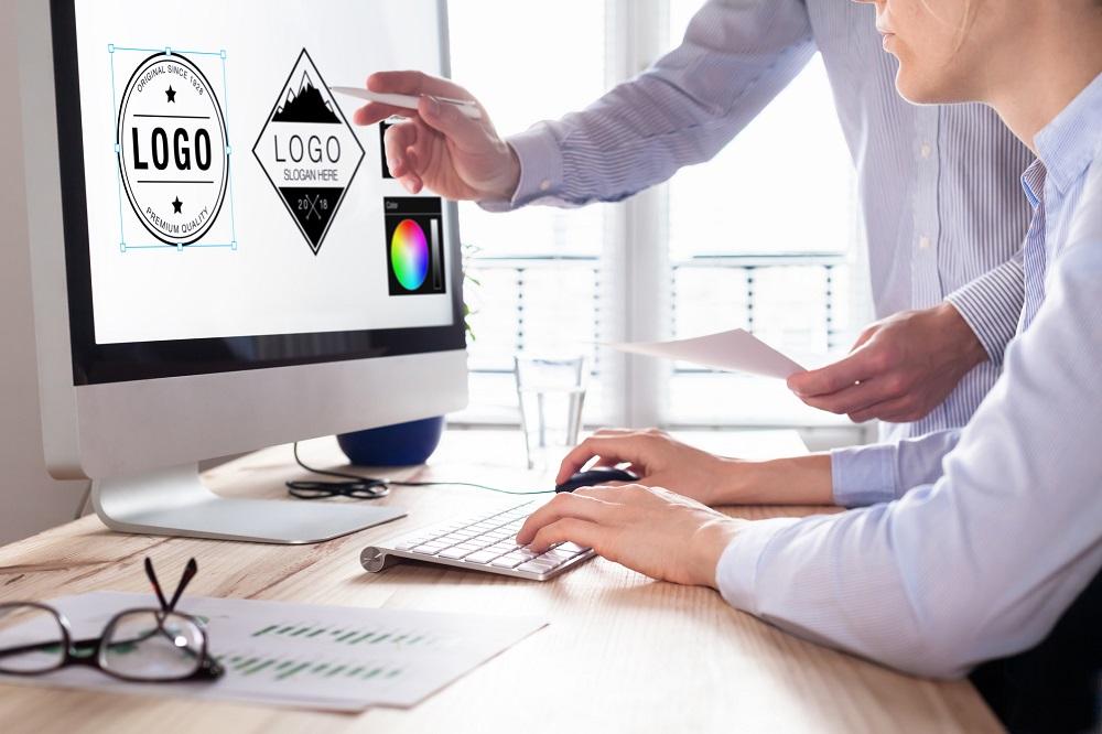 Logo firmy, aprawa autorskie